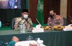 Sehari Setelah Dilantik Jokowi, Kapolri Jenderal Listyo Langsung Bertemu Ketum PBNU, Nih Agendanya - JPNN.com