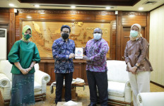 Ikhtiar Lepas Status Kabupaten Tertinggal, Bupati Paniai Minta Petunjuk Gus Menteri - JPNN.com
