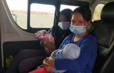 KJRI Bantu Pemulangan Dua Bayi Baru Lahir dari Kuching - JPNN.com