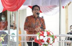 Gus Menteri Salurkan Bantuan untuk BUMDes di Ambon - JPNN.com