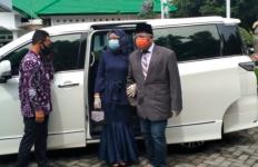 Senangnya, Para Pengantin Bisa Pinjam Gratis Mobil Mewah Wali Kota Probolinggo - JPNN.com
