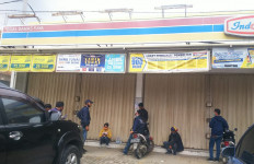 Detik-detik Perampokan Minimarket, Rp 46 Juta Raib - JPNN.com