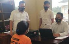 Lima Bulan Buron, Janda Satu Anak Ditangkap Saat Pulang ke Rumah - JPNN.com