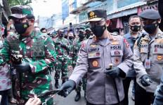 Datangi Tanah Abang Bersama Panglima TNI, Jenderal Listyo Sigit Memohon kepada Sekuriti - JPNN.com