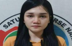 Janda Muda Ini Kerap Meresahkan Warga, Hanya Bisa Pasrah Saat Disergap Polisi - JPNN.com
