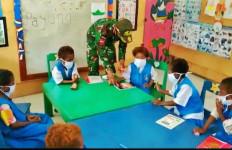 Satgas Yonif 413 Ajari Anak PAUD Papua untuk Cegah Virus Corona - JPNN.com