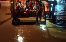 Banjir Disertai Lumpur Terjang KEK Mandalika - JPNN.com