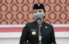 Simak, Pesan Bupati Karolin Saat Melantik 161 Pejabat Pemkab Landak - JPNN.com