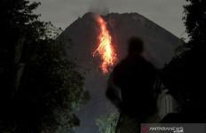 Hari Ini, Gunung Merapi Makin Sering Memuntahkan Lava - JPNN.com