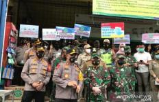 Kapolda Bersama Pangdam Jaya Langsung Turun Tangan ke Pasar Tradisional - JPNN.com