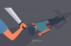 Tanpa Alasan Jelas, P Membacok Seorang IRT dan 3 Bocah - JPNN.com