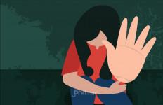 Pulang Melaut, Suami Lihat Pemuda Bercelana Pendek Keluar dari Rumahnya, Istri Menangis - JPNN.com