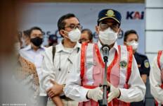 Terjadi Penumpukan Penumpang KRL, Menhub Budi Karya Sumadi Sentil PT KCI - JPNN.com