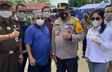 Komisi III DPR Kunjungi dan Bantu Korban Banjir di Kalsel - JPNN.com