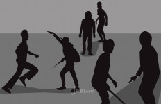 Bentrokan Warga dengan Ormas di Pancoran, Korban Luka Berjatuhan - JPNN.com