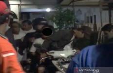 AS Pencabul Anak Kandung Diamankan Polisi dari Amukan Warga - JPNN.com