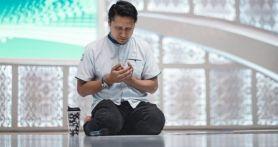 Bang Sapri & Ustaz Tengku Zulkarnain Meninggal di Hari yang Sama, Arie Untung Bilang Begini