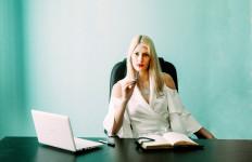 4 Tips Berpacaran dengan Pria yang Memiliki Penghasilan Lebih Sedikit dari Anda - JPNN.com