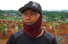 Sudah Ribuan Orang Meninggal karena Covid-19, Penggali Kubur Minta Warga Patuhi Usul Pak Ganjar - JPNN.com
