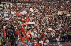 Militer Tangkap 728 Demonstran, Pelajar Myanmar Bersumpah Terus Turun ke Jalan - JPNN.com