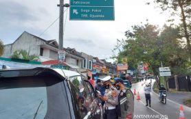 Dikepung Surabaya dan Bangkalan, PPKM Mikro di Gresik Digalakkan Kembali- JPNN.com Jatim