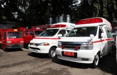 Bea Cukai Makassar Fasilitasi Hibah Mobil Damkar dan Ambulans dari Jepang - JPNN.com