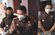 Kejari Tahan Mantan Kades yang Diduga Korupsi Dana Desa Rp 306,7 Juta - JPNN.com