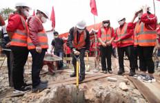 Dua Tokoh Lakukan Peletakan Batu Pertama Kantor DPC PDIP Kabupaten Landak - JPNN.com