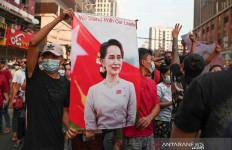 Orang Dekat Suu Kyi Tewas di Sel Polisi, Tentara Myanmar Makin Brutal - JPNN.com