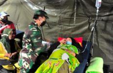 Rumah Sakit Lapangan Bantuan Jenderal Andika Perkasa Sudah Layani 1.230 Pengungsi Gempa Sulbar - JPNN.com