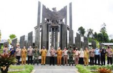 Dansatgas Yonif 642/Kapuas Berkolaborasi untuk Lindungi Batas Negeri - JPNN.com