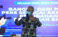 Pak Ganjar Siapkan Vaksin Covid-19 untuk Jurnalis - JPNN.com