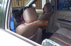 Tepergok Saat Bobol Mobil, Bandit Pecah Kaca Tinggalkan Motor di TKP - JPNN.com