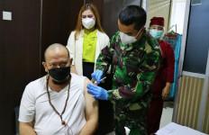 Usia di Atas 60 Tahun, LaNyalla dan Nono Sampono Baru Terima Suntikan Vaksin Covid-19 - JPNN.com
