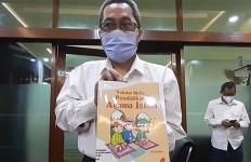 Ternyata Pak Ganjar yang Tak Pernah Salat Itu Bukan Gubernur Jawa Tengah - JPNN.com