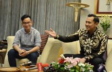Irwan Curiga Jokowi Menyiapkan Gibran jadi Pengganti Anies Baswedan - JPNN.com