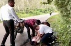 Bogel Disergap di Tengah Jalan, Kantongnya Diperiksa, Ternyata Berisi Barang Terlarang - JPNN.com