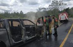 Patroli Libas Illegal Logging, Mobil Petugas Kehutanan Diduga Dibakar, Polisi Bergerak Mengusut - JPNN.com