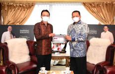 Bamsoet Lewat Mr. Kanasugi Dorong Perusahaan Otomotif Jepang Kembangkan Kendaraan Listrik di Indonesia - JPNN.com