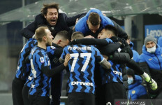 Inter Kudeta AC Milan dari Puncak Klasemen - JPNN.com