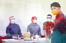 Pak Ganjar Minta Pedagang Pasar juga Diberi Vaksin Covid-19 - JPNN.com
