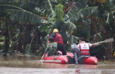 Di Tengah Lokasi Banjir, Terdengar Teriakan Minta Tolong - JPNN.com