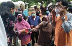 Bu Risma dan Kemensos Respons Cepat Bencana Banjir DKI Jakarta - JPNN.com