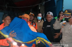 Bermain di Saat Banjir, 2 Bocah Tewas Tenggelam di Danau RPTRA Kembangan Utara - JPNN.com