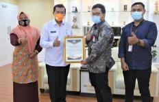 Sambut HPSN 2021, PLTU Tenayan Raih Penghargaan dari Wali Kota Pekanbaru - JPNN.com