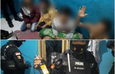 3 Pria dan 2 Wanita Berbuat Terlarang, Eh di Kamar Sebelah Lebih Parah, Telanjang - JPNN.com