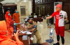 Jateng Mulai Vaksinasi Covid-19 Gelombang II, Ganjar Minta Sehari Seribu Orang - JPNN.com