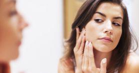Cara Alami Atasi Flek Hitam di Wajah
