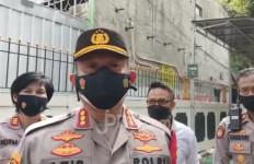 Terduga Teroris Nouval Farisi Menyerahkan Diri ke Polsek Setiabudi - JPNN.com