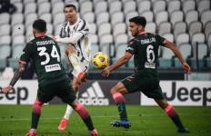Cristiano Ronaldo Cetak Brace, Si Nyonya Tua Duduk di Posisi Ketiga - JPNN.com